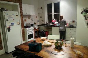 Schicksal - Küche in der Wohnung in Toorak