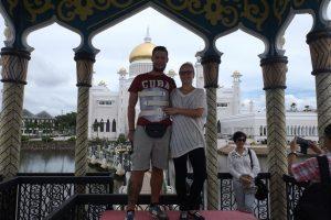 Selfie vor einem Tempel in Brunei