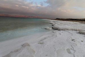 Salzstrand am Toten Meer