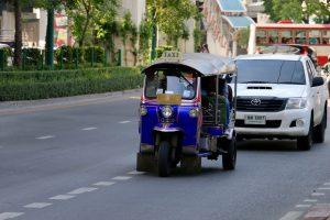 blaues Tuk-Tuk in Thailand