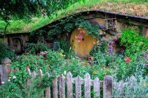 Eines von vielen weiteren bunten Hobbit-Häusern