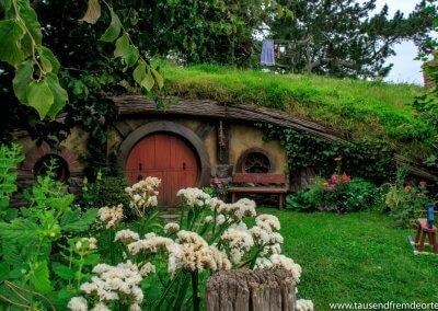 Auch kleine Schaukelpferde findest du in den Gärten der Hobbits