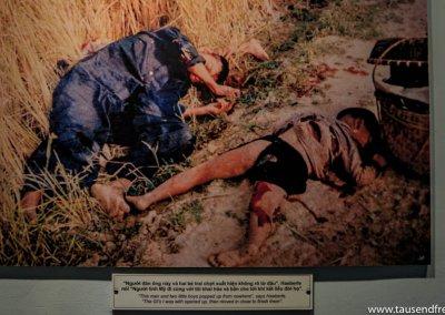 Und diese zwei wurden einfach so erschossen. Das ist nur ein Bild von vielen, die wir gesehen haben.