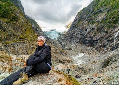 Auch wenn ich etwas enttäuscht war, durfte ein Bild vor dem Gletscher nicht fehlen