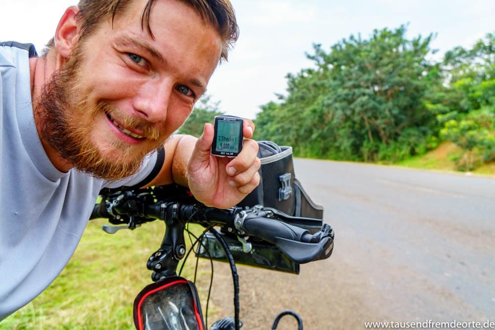 Freudestrahlend knackte ich die 4000 Kilometer