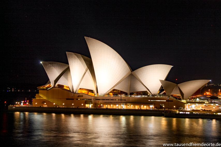 Opera House beleuchtet Sydney