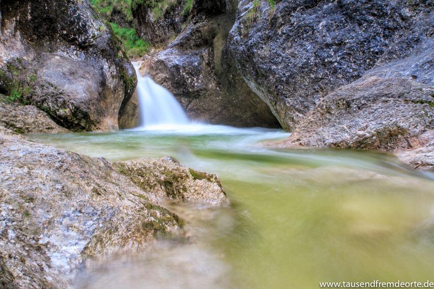 Almbachklamm kleiner Wasserfall