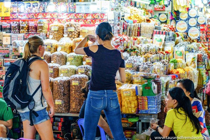 Getrocknetes Obst im Ben Thanh Market in Saigon
