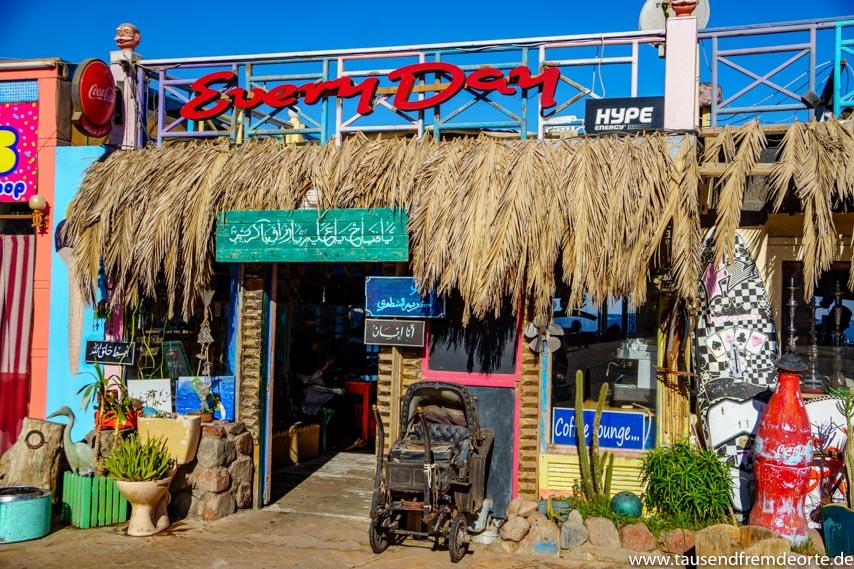 Promenade von Dahab in Ägypten Every Day Cafe