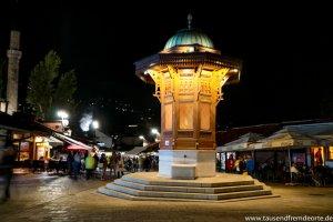 Sebilj bei Nacht in Sarajevo