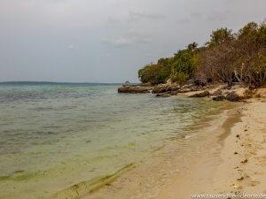 Strand auf Karimunjawa in Indonesien