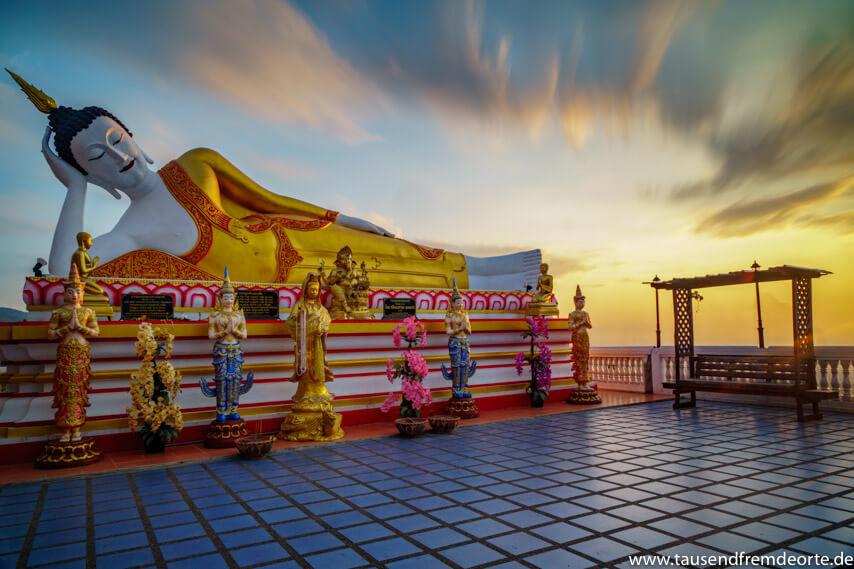 Sonnenaufgang am Tempel